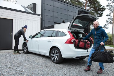 146377_The_Jogensj_family_with_their_Volvo_V60_Plug-in_Hybrid